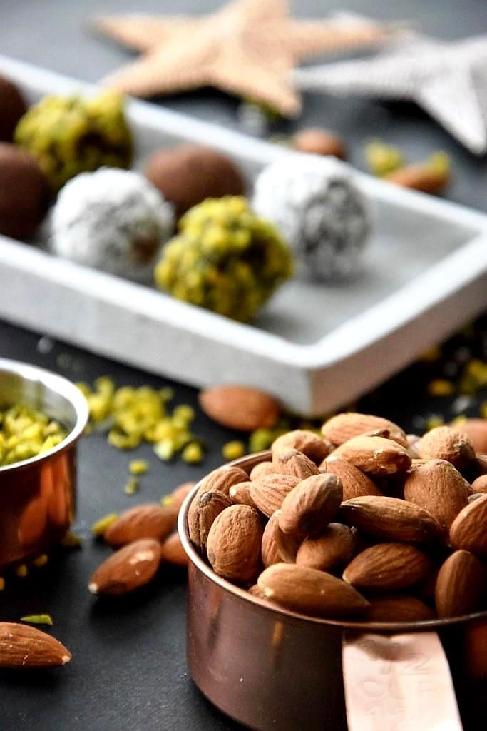 Unterfreundenblog Blitztrüffel vegan Superfood Pralinen Geschenke aus der Küche Weihnachten Rezept Advent