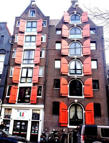 Amsterdam_Buildg1a