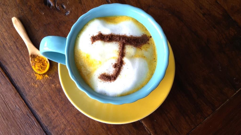 Trend Alarm! Goldene Milch oder Turmeric Latte (mit easy peasyRezept)