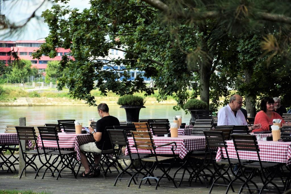Mannheim: Restaurants und Biergärten mitWasserblick