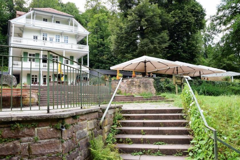 Unterfreundenblog Biergarten mit Wasserblick am Wasser Heidelberg - Restaurant Wolfsbrunnen Schlierbach