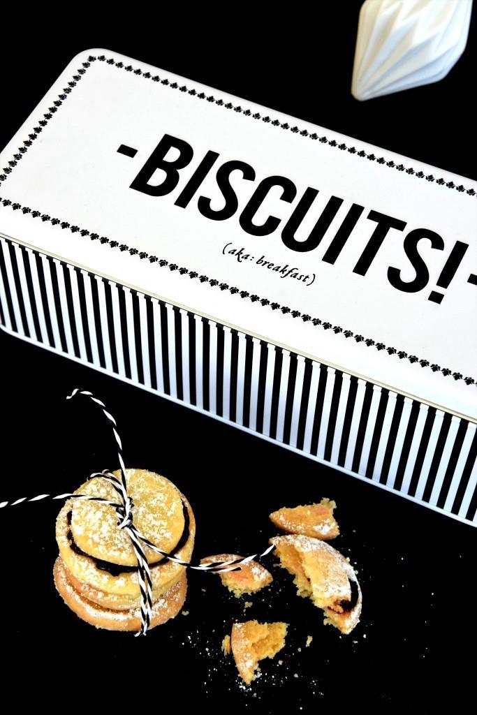 Unterfreundenblog Bloggeburtstag Gewinnspiel Giveaways Keksdose Biscuit tin