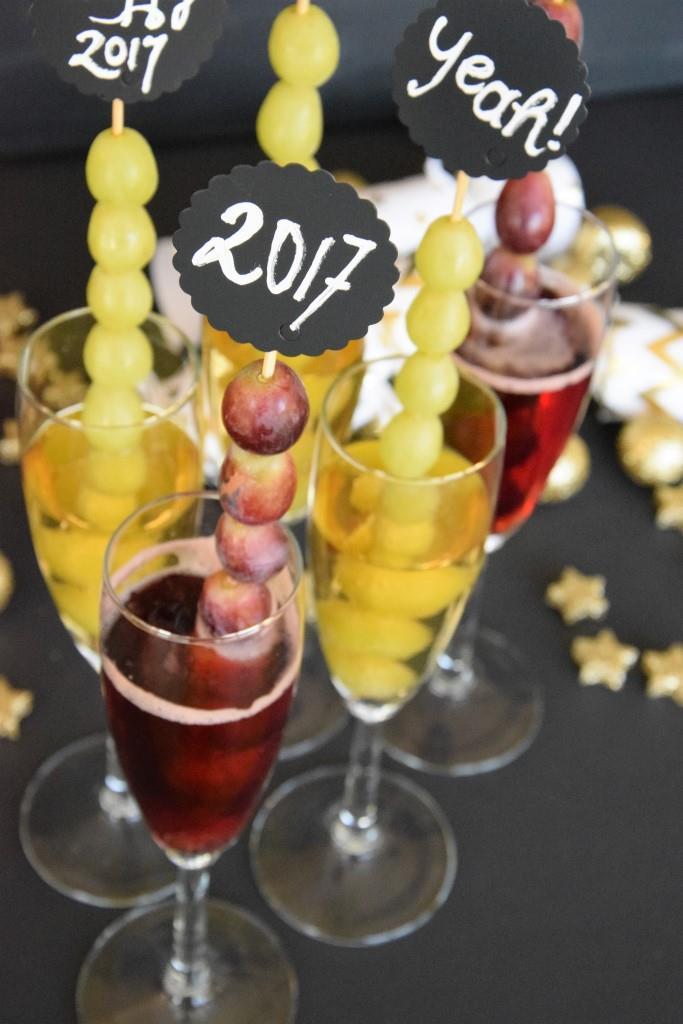 Unterfreundenblog Silvester Buffet Sekt Champagner Trauben Glückstrauben Happy New Year Uvas de la suerte