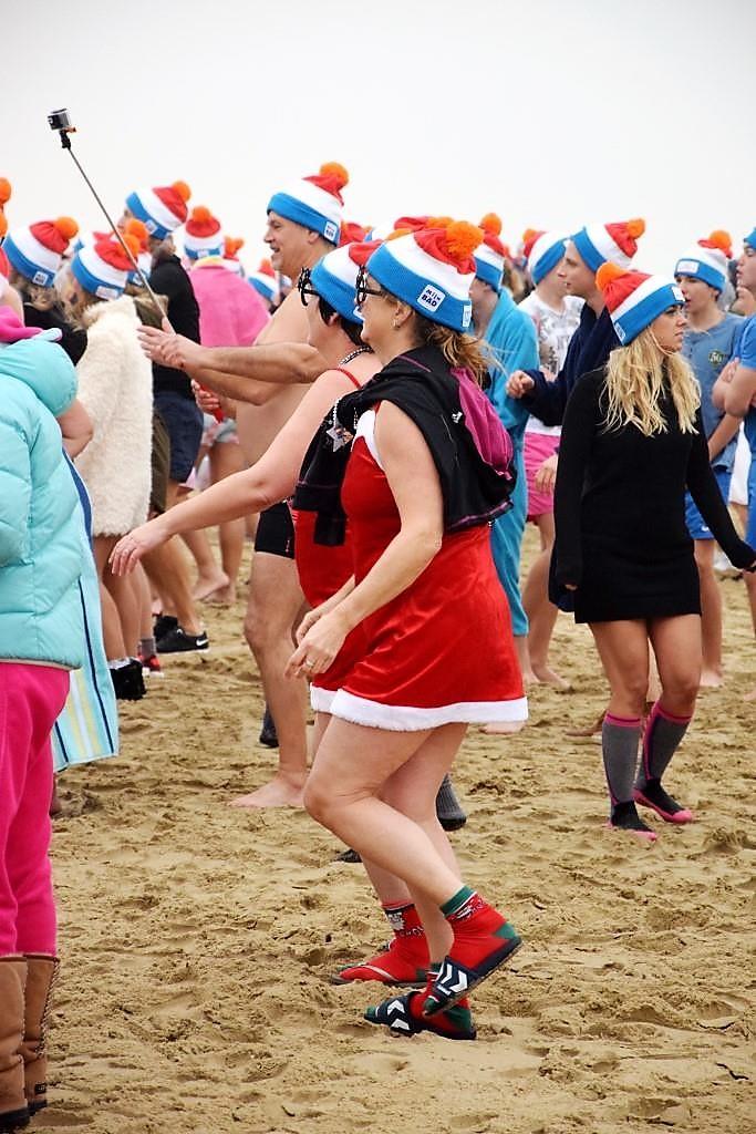 Holland Winter Nieuwjaarsduik Anschwimmen Neujahrsschwimmen Egmond an Zee