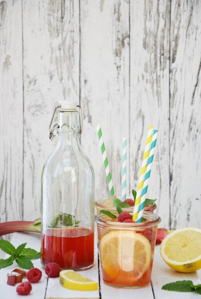 Rhabarbersirup für Spritz und Rhabarberlimonade, Rhabarberschorle - Rezept auf Unterfreundenblog