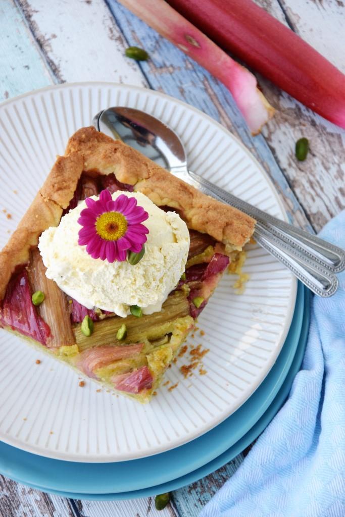Unterfreundenblog Rhabarberkuchen mit Pistazienfrangipane