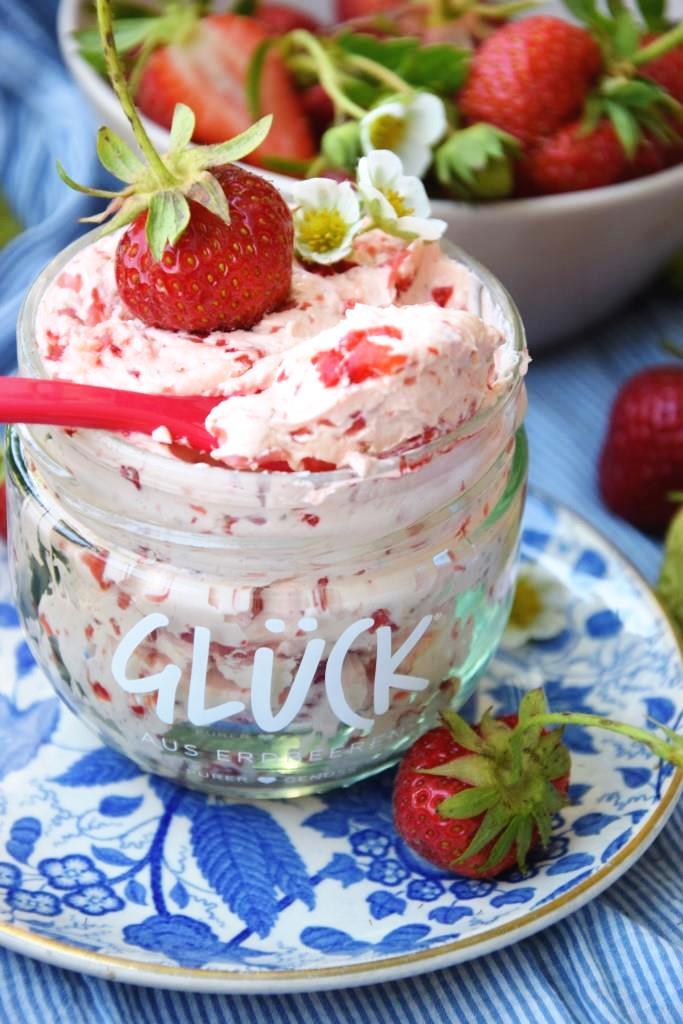 Rezept für selbstgemachte Erdbeerbutter - Unterfreundenblog