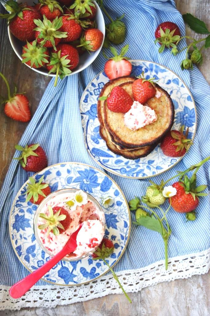 Selbstgemachte Erdbeerbutter / Homemade strawberry butter - Rezept auf Unterfreundenblog