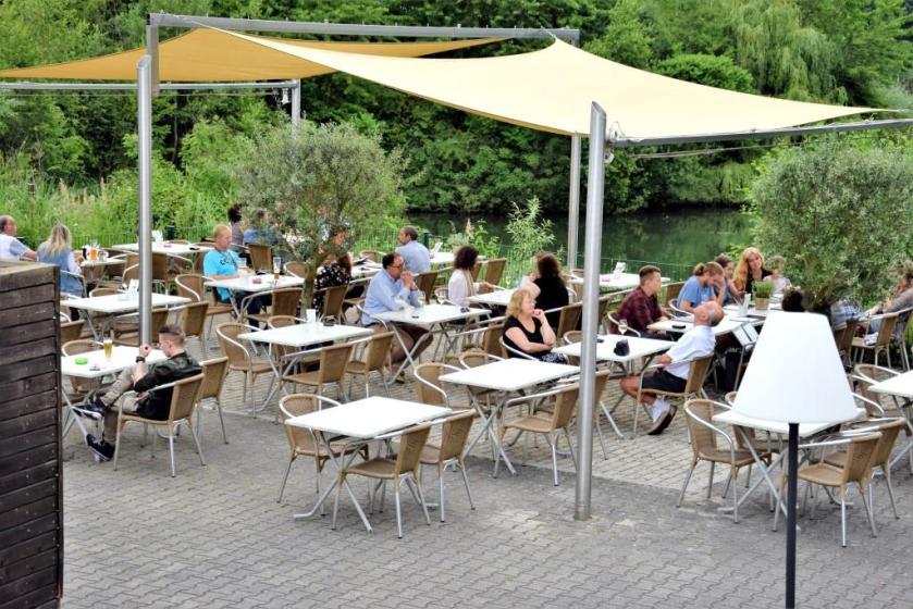 Restaurant und Biergarten mit Wasserblick am See, Rhein-Neckar-Region - Lichtenau Lounge Leimen St. Ilgen - Unterfreundenblog