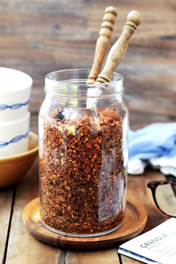 Rezept für selbstgebackenes Schokoladen Buchweizen Granola - Unterfreundenblog