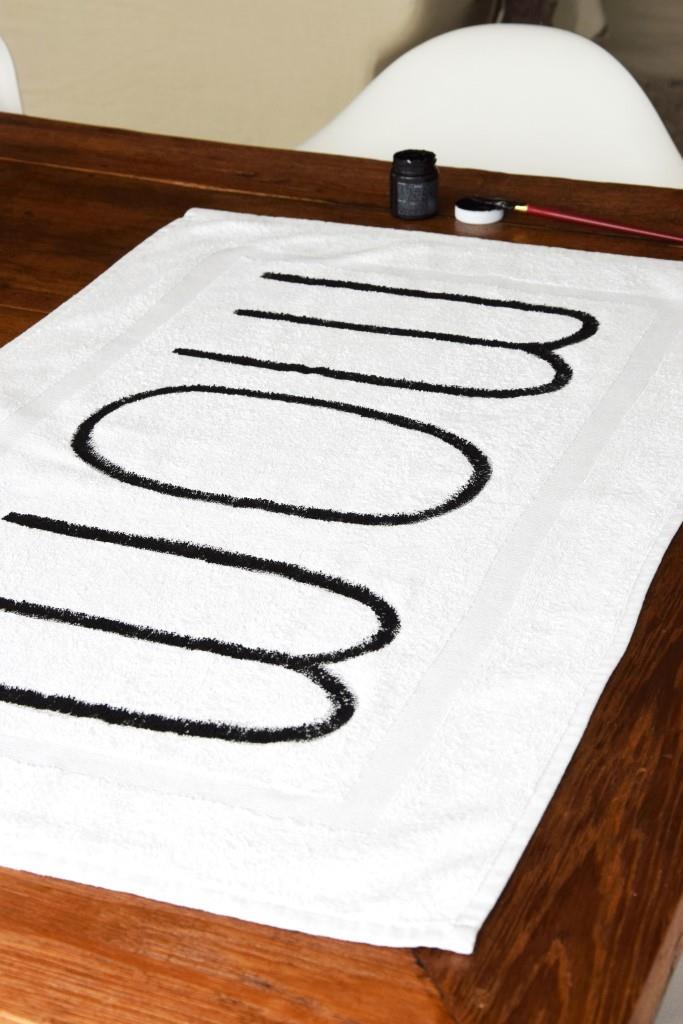 Jetzt mit mehr Farbe die Buchstaben nachzeichnen - Voila und fertig!