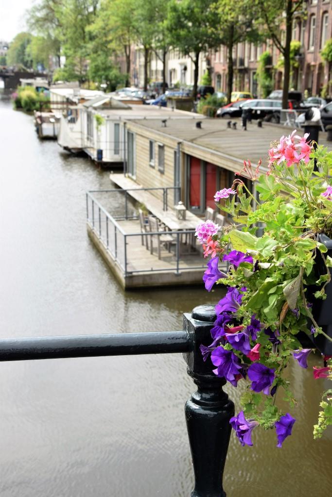 Städtereise mal nicht im Hotel: Ein langes Wochenende auf einem Hausboot in Amsterdam