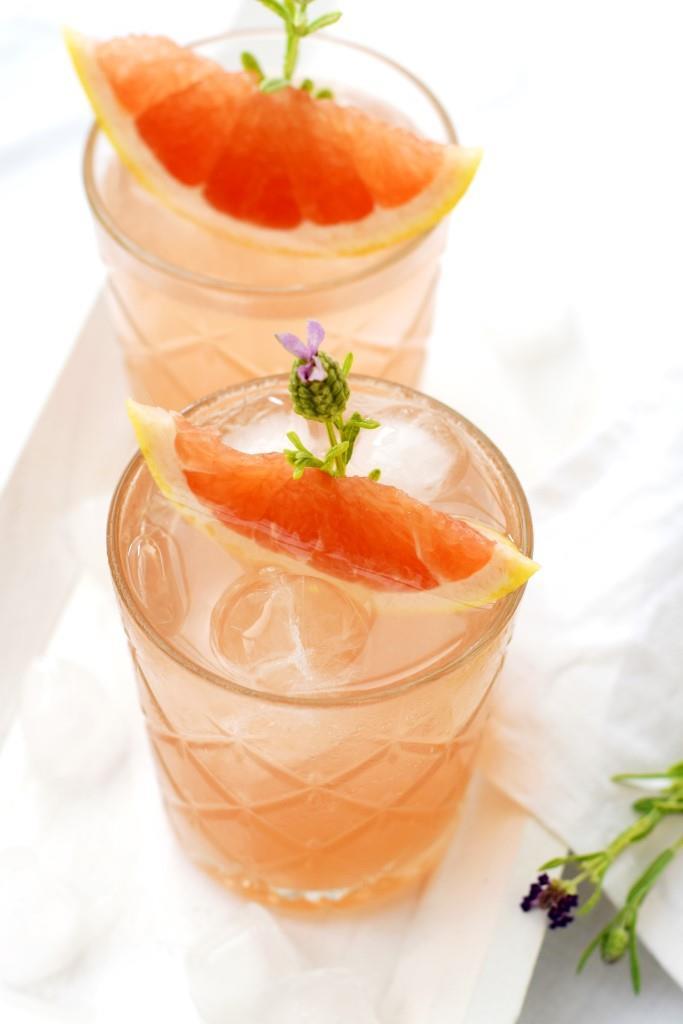 So schmeckt der Sommer - Grapefruit-Rosé-Spritz - köstlich und fix gemacht aus nur 2 Zutaten!