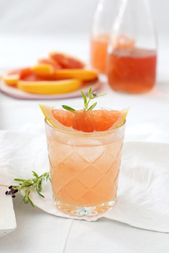 Spritzig frisch, herb süffig und auch noch hübsch! Der Grapefruit-Rosé-Spritz