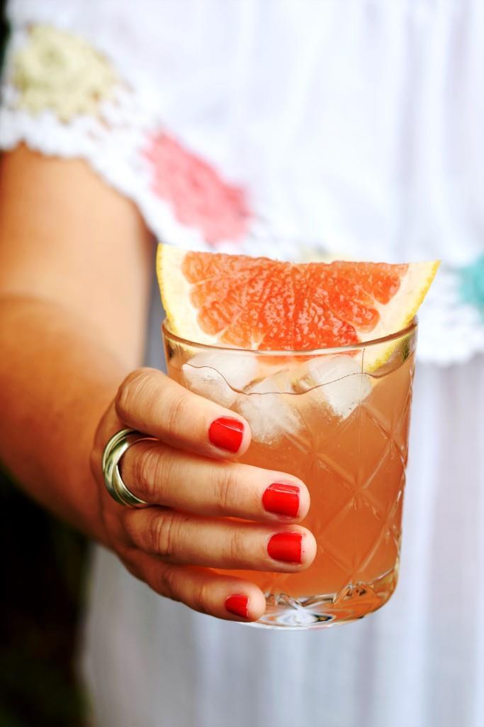 Lasst uns auf den Sommer anstoßen! #grapefruit #rosé #spritz