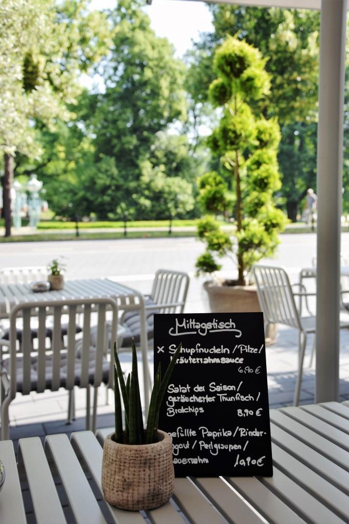 Lecker! Mittagstisch im LUXX, dem neuen Restaurant am Wasserturm in Mannheim