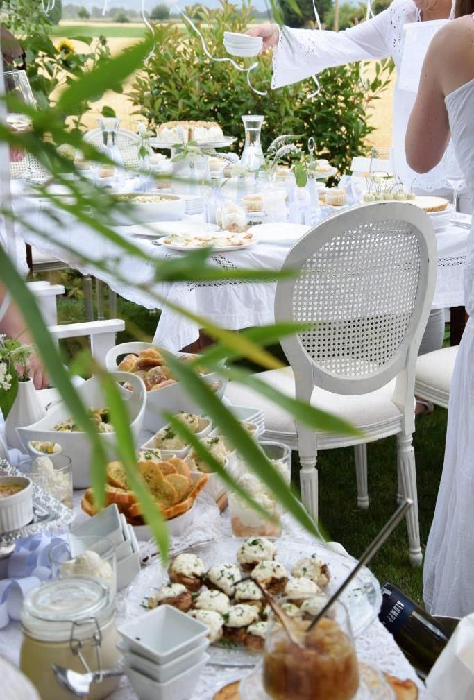 Ganz in Weiß - eine sommerliche Gartenparty / White Dinner oder Diner en blanc
