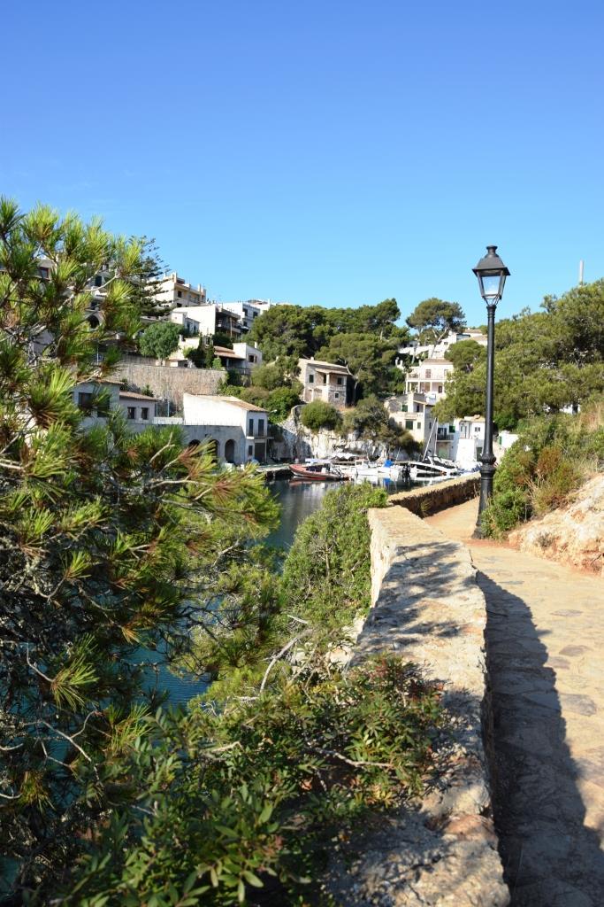 Und alle 5 Meter ein Foto ... der malerische Hafen von Cala Figuera