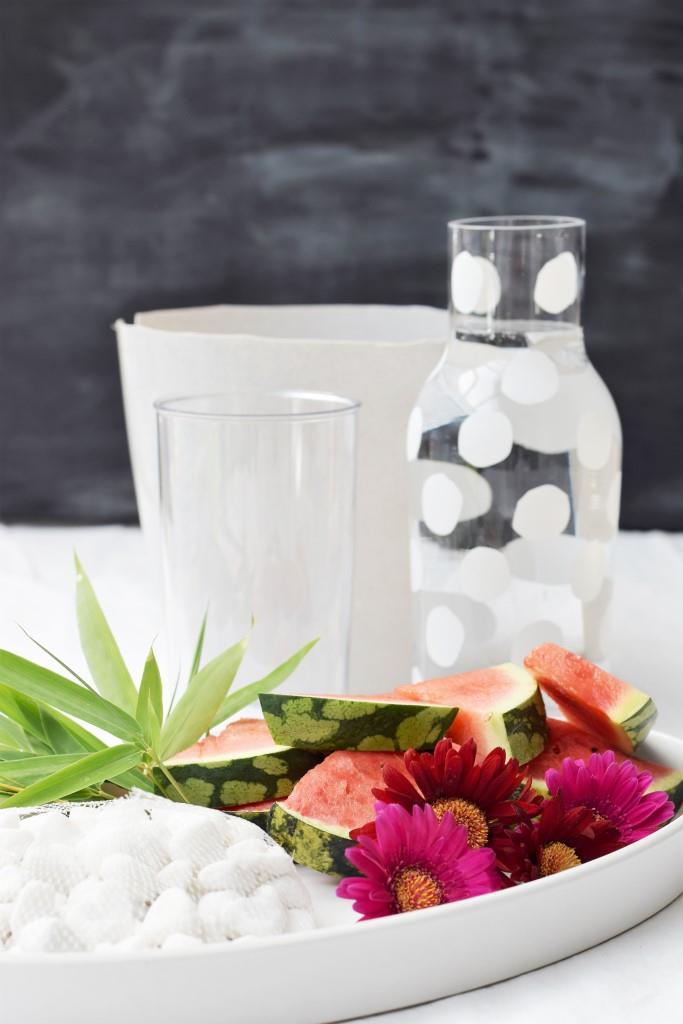 Die Zutaten für den selbstgemachten Weinkühler aus Eis