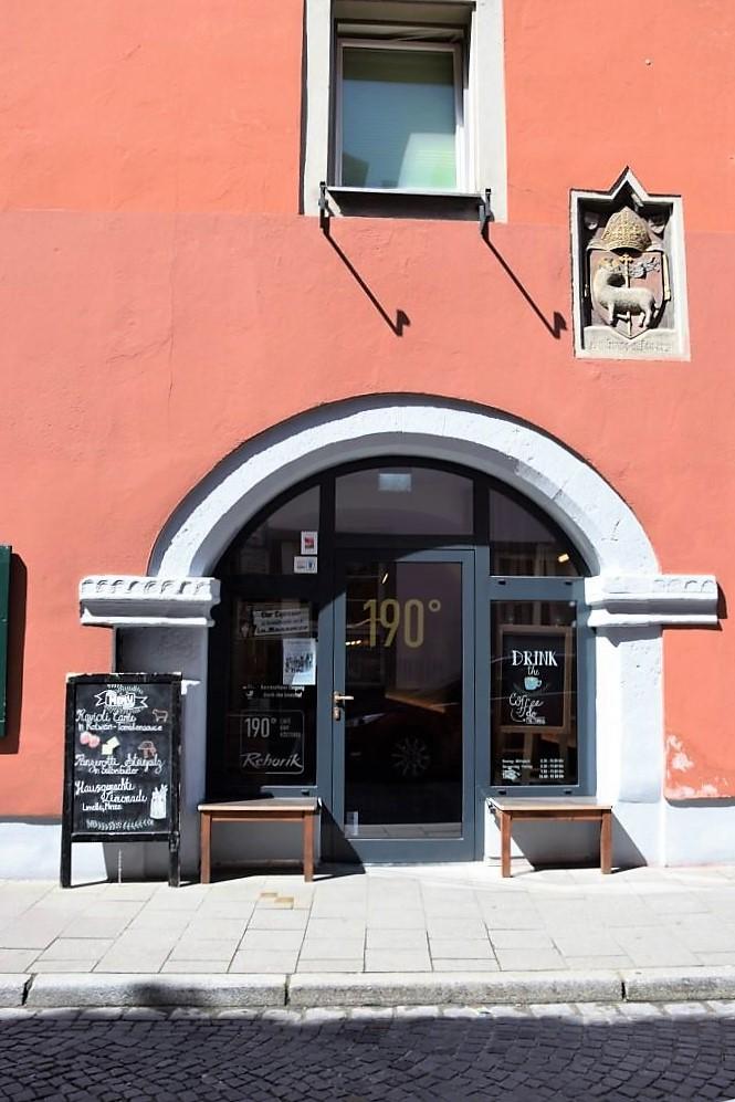 190 Grad - El Dorado für Kaffee-Fans - Café und Rösterei