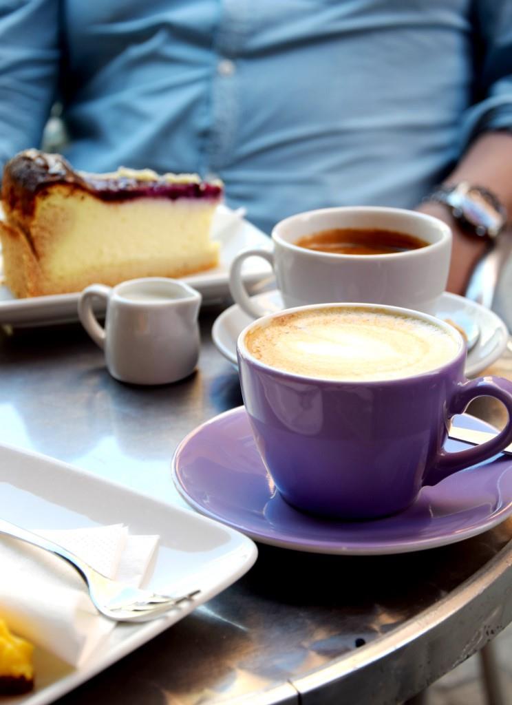 Käffchen und Kuchen im Café Lila, Regensburg
