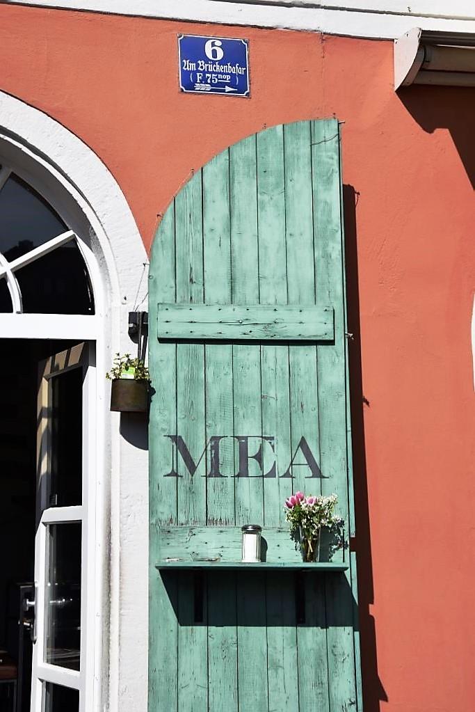 Lieblingsplatz vieler Regensburger - die kleine Café Bar MEA