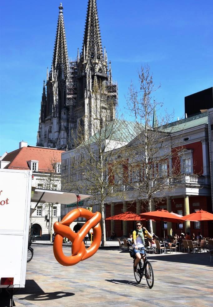 In der Altstadt von Regensburg - Brezn, Radl, Dom
