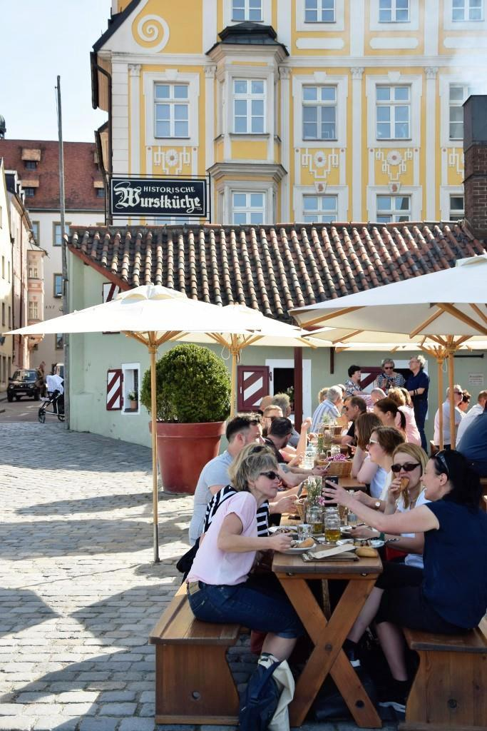 Das Wurstkuchl, ein Klassiker an der Donau in Regensburg
