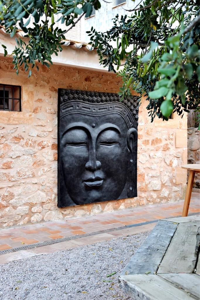 Ommmm! Osten trifft Süden - der Buddha im East26 in Santanyi, Mallorca