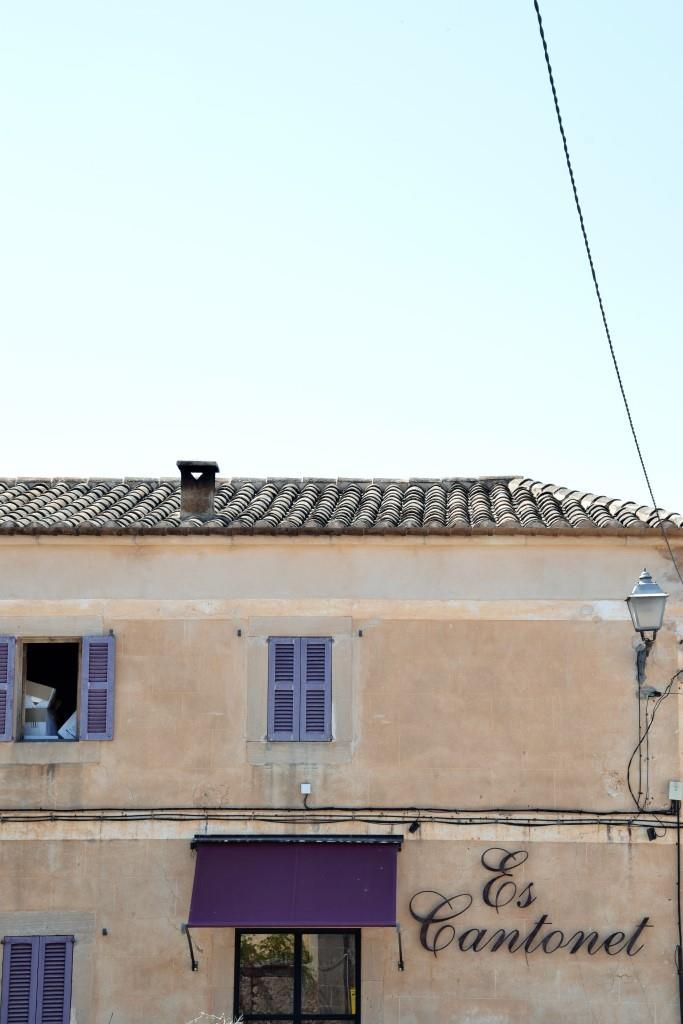"Restaurant ""Es Cantonet"" in Santanyi Mallorca"