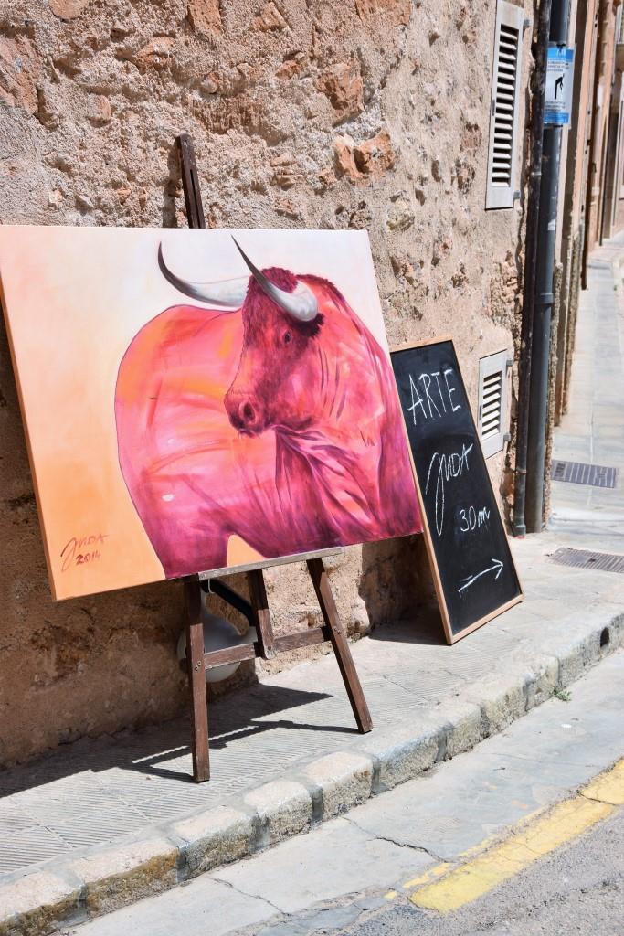 Bild mit Stier - Werbung für eine Galerie in Santanyi