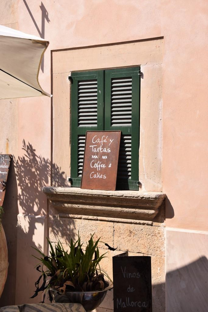 Coffee & Cakes in Santanyi, Mallorca