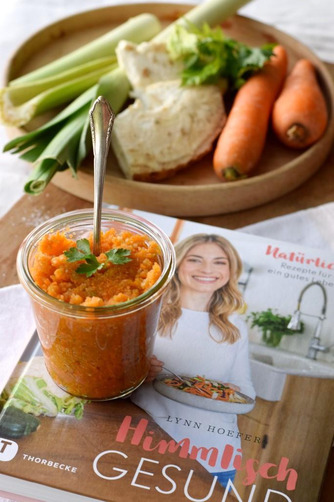 Himmlisch gesund und himmlisch lecker, die selbstgemachte Gemüsebrühe aus dem neuen Kochbuch von Lynn Hoefer
