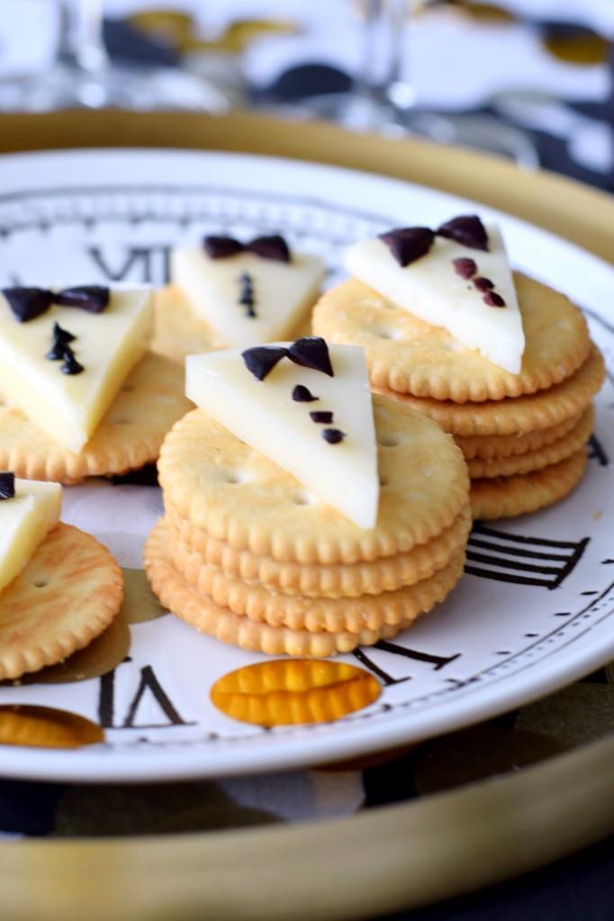 Silvester Fingerfood einfach Käse Snack Cracker Unterfreundenblog Rezept