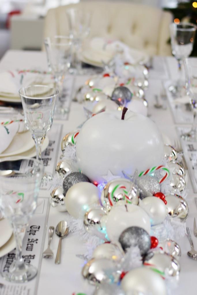 Tischdeko New York Christmas Dinner in weiß und silber
