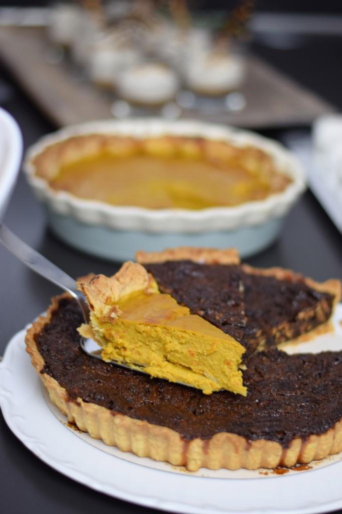 Die US-Klassiker Pumpkin Pie und Pecan Pie dürften auf dem Desser-Buffet nicht fehlen