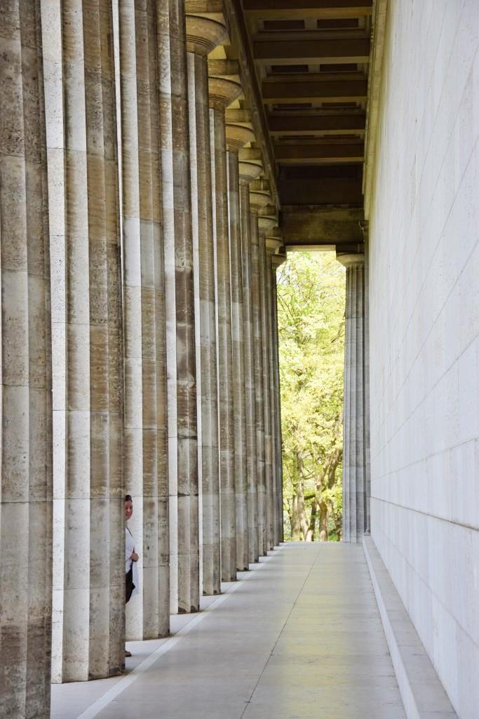 Die mächtigen Säulen der Walhalla bei Regensburg