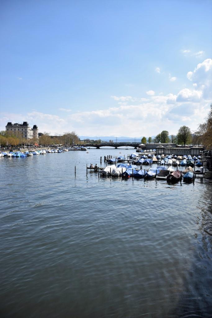 Zürich Limmat Fluss Wochenende