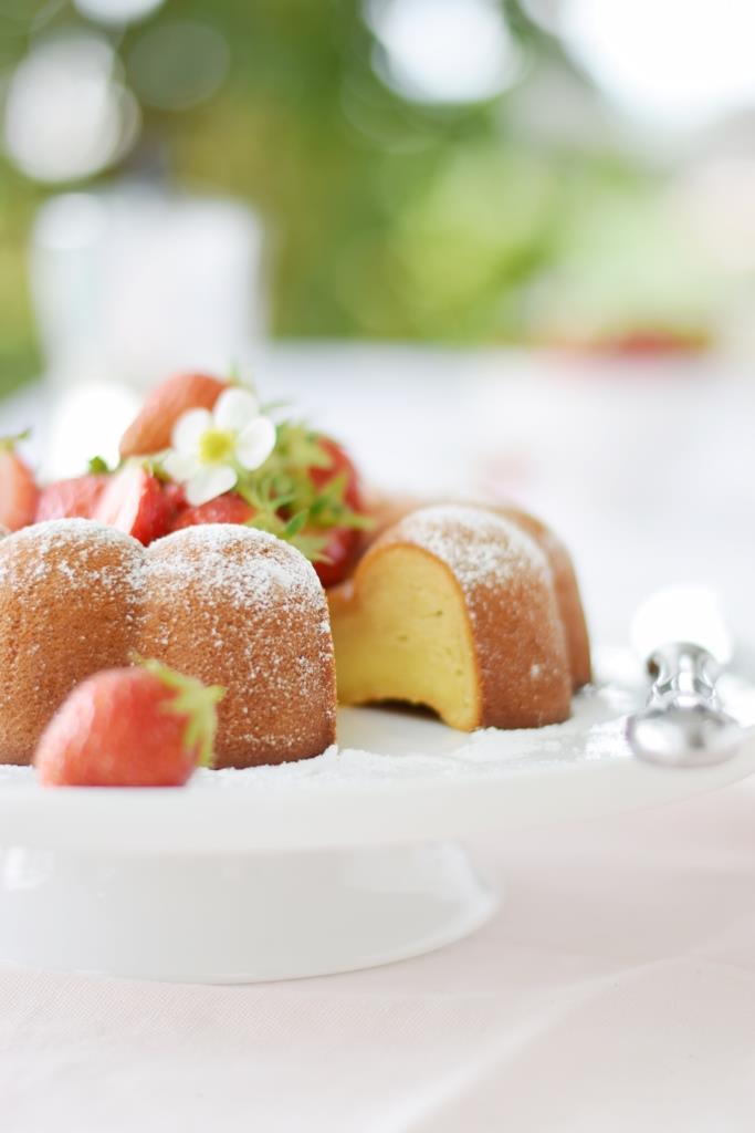 Kuchen Erdbeeren Blüten