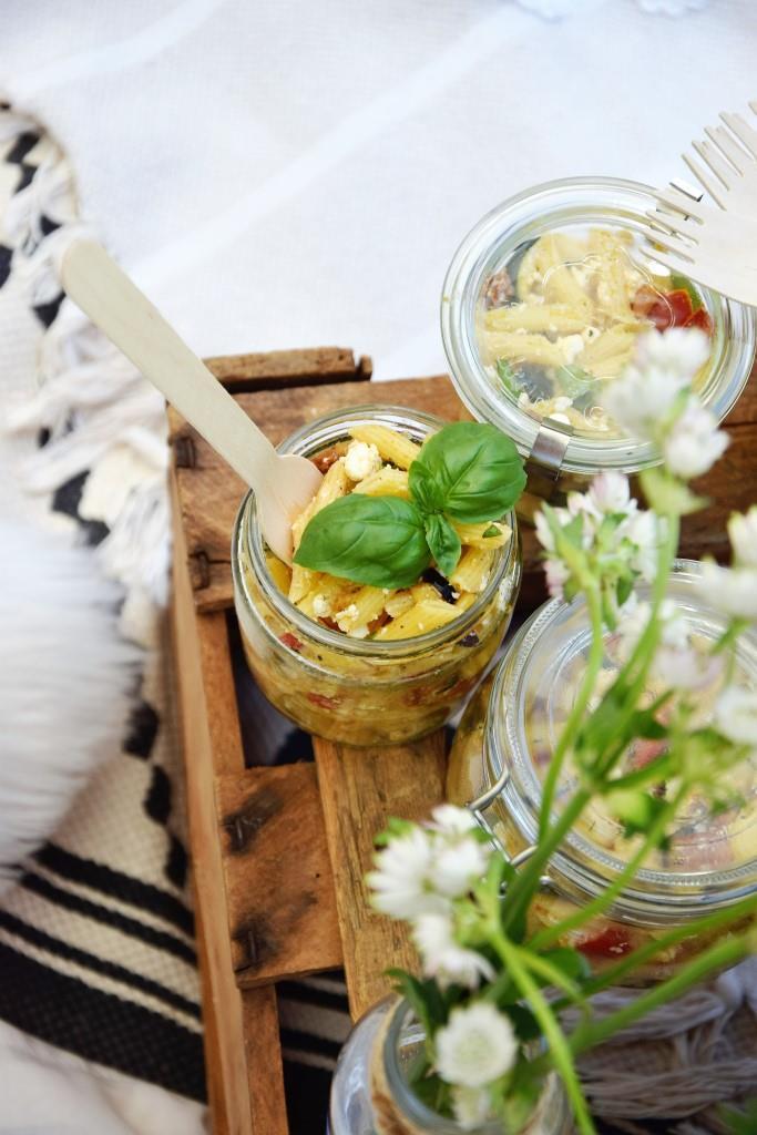 Pastasalat im Glas Picknick Rezept