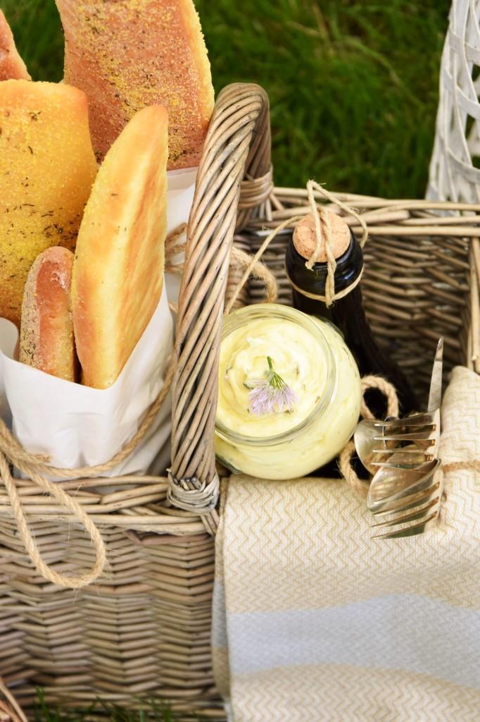 Picknickkorb Baguette Wein