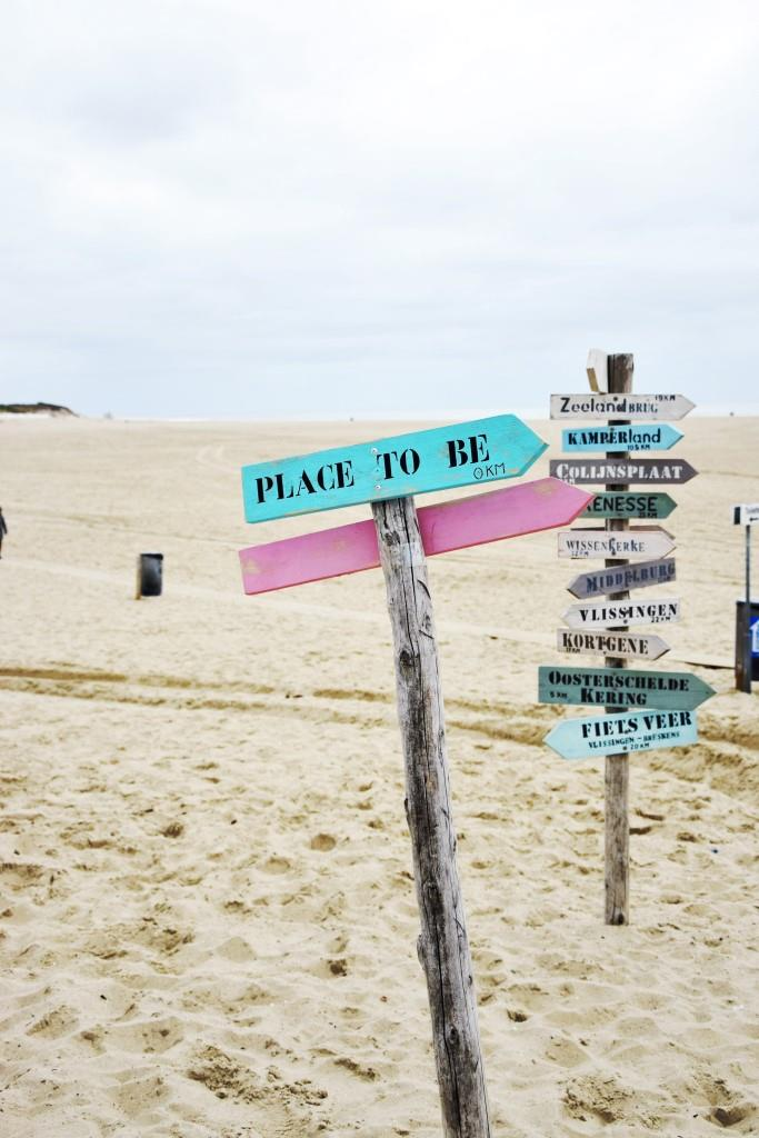 Wegweiser Strand Vrouwenpolder Zeeland