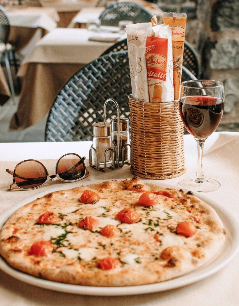 Pizza Wein Sommer