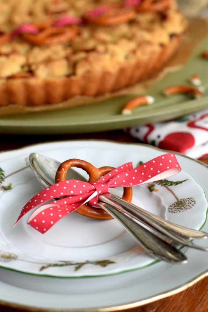 Apfelkuchen hausgemacht Besteck Brezel