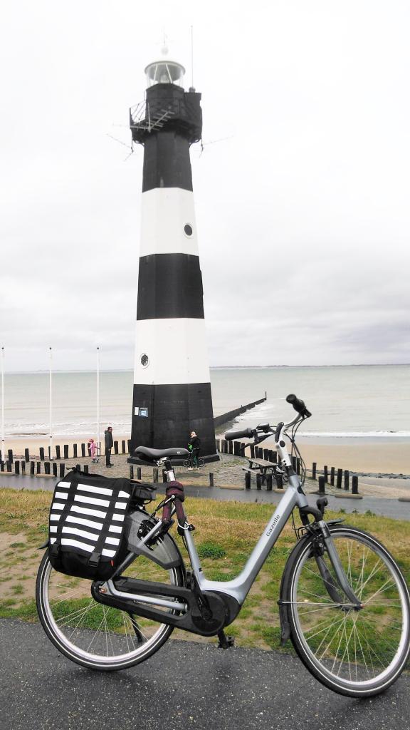 Leuchtturm schwarz-weiß Zeeland