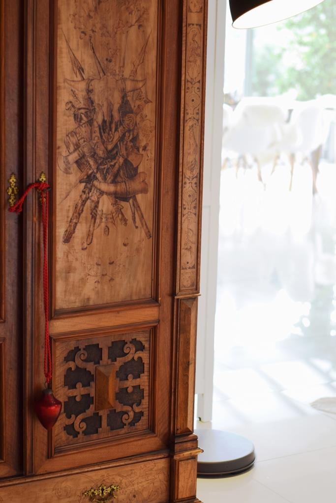 Vintage Holzschrank Weihnachtsdeko