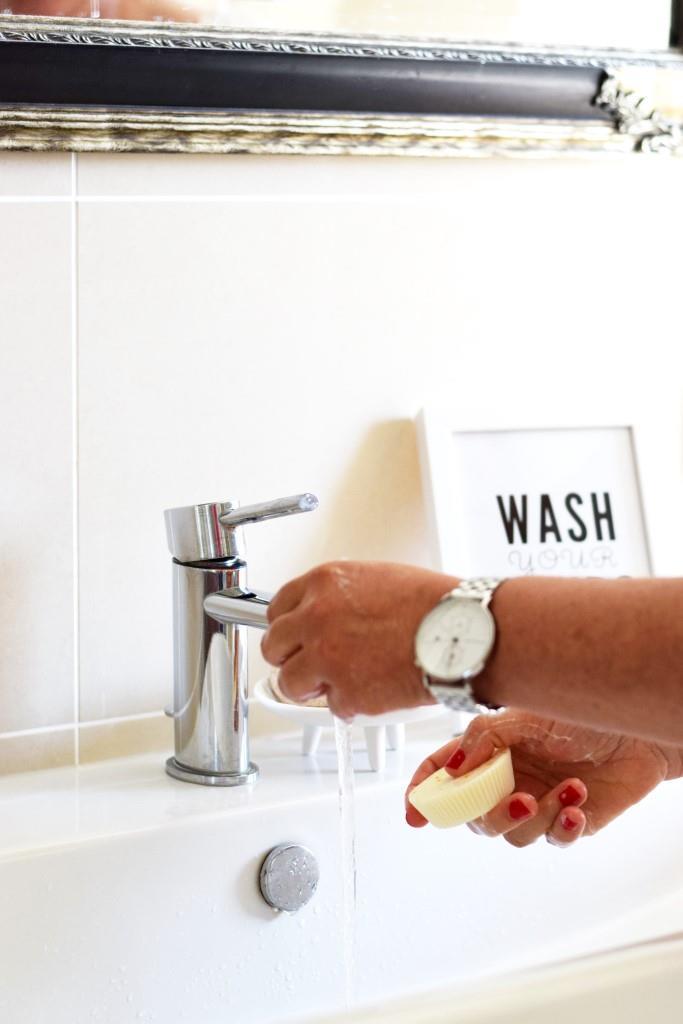 Hände waschen Seife