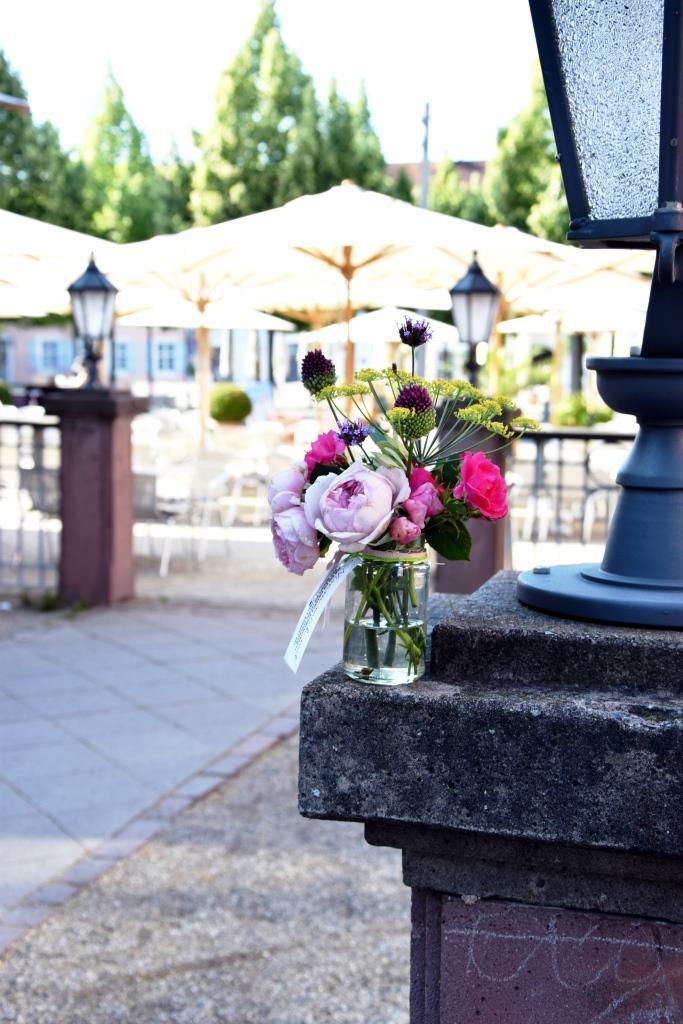 Blumenstrauß Schwetzingen Schlossplatz