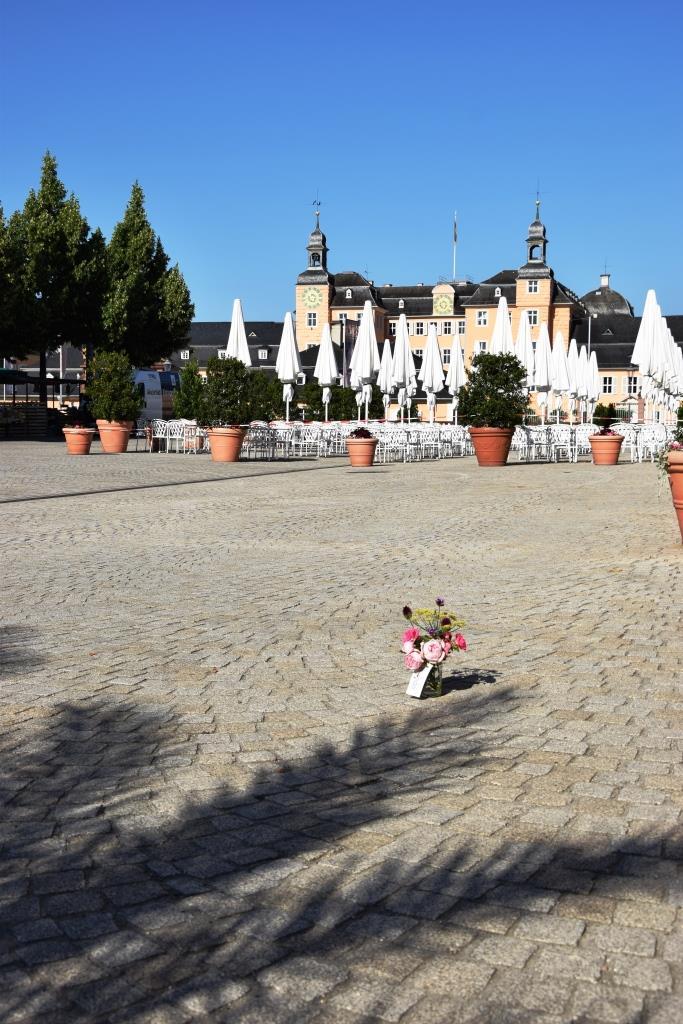 Schloss Schlossplatz Blumenstrauß