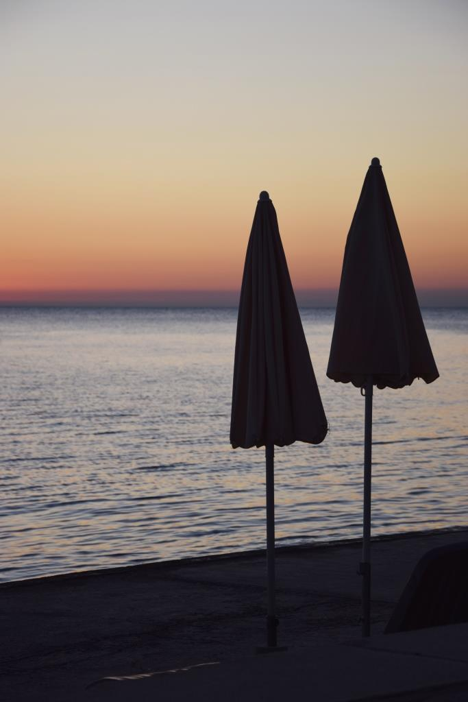 Sonnenuntergang Strandschirme Slowenien